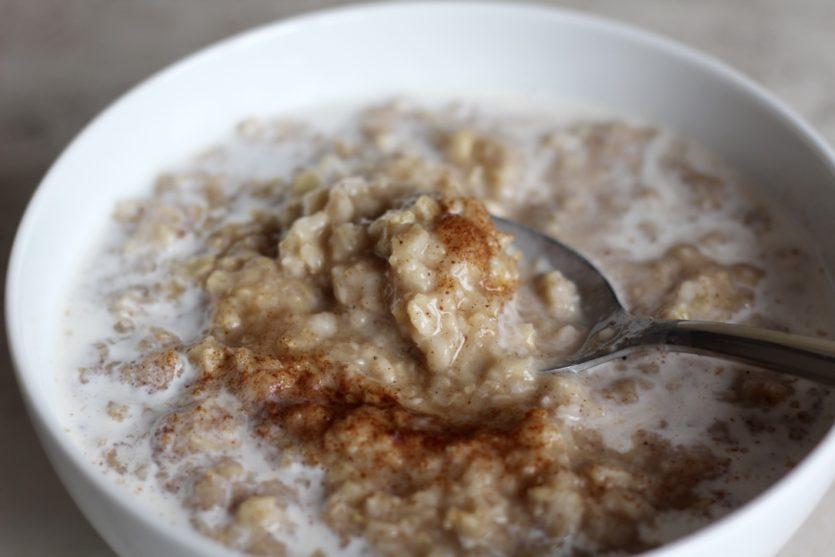 chai spiced apple oatmeal