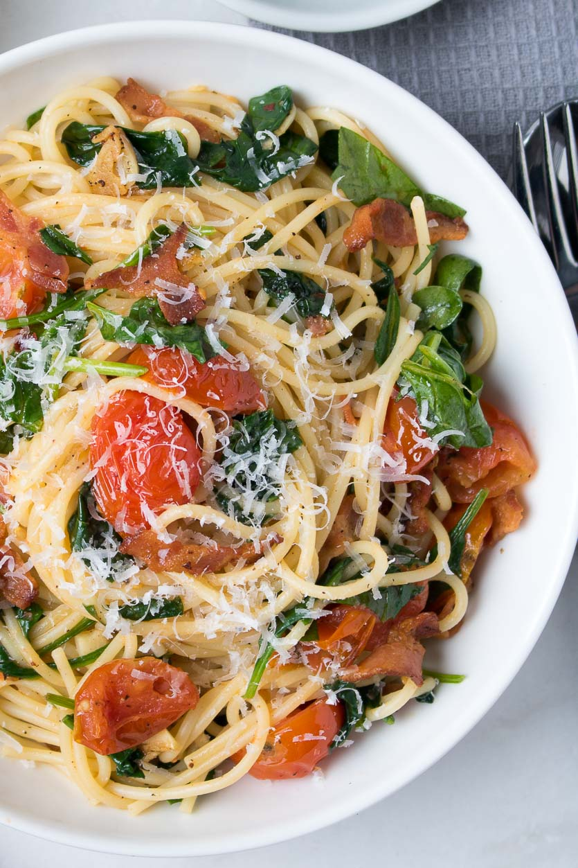 Bacon Pasta with Spinach and Tomatoes