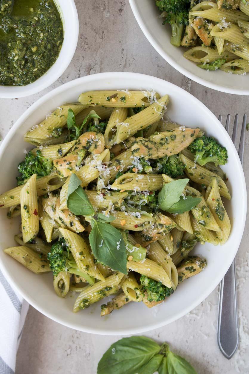 Chicken Pesto Pasta with Broccoli